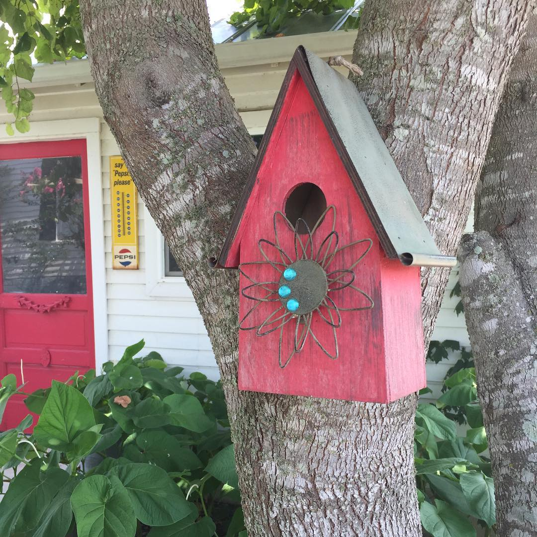 Thanks himeofyourlife for this cut pic of our red birdhousehellip